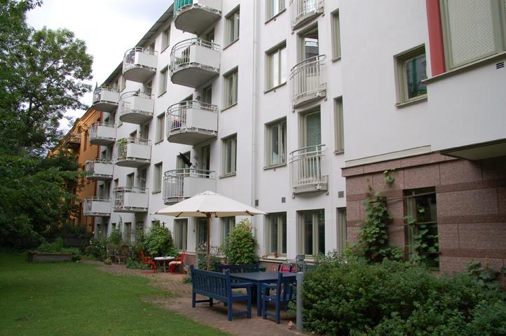 Desencadenantes, obstáculos y facilitadores del senior co-housing en Suecia: análisis histórico y estudio del caso Färdknäppen